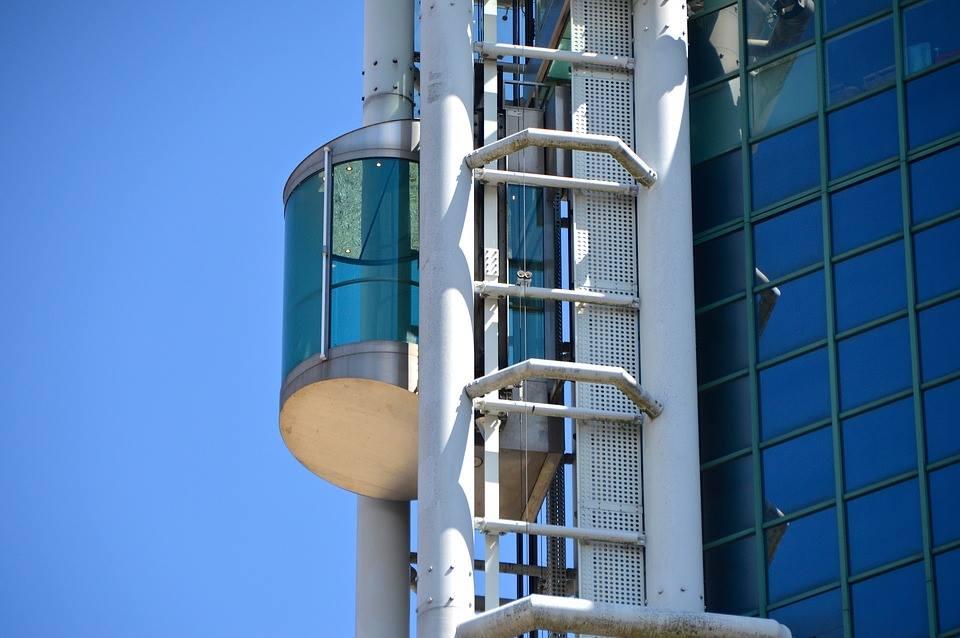лидерите в строителството на асансьори